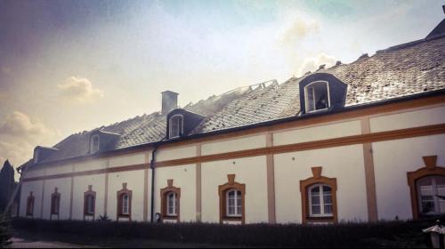 06-pozar-strechy-objektu-Hnojice